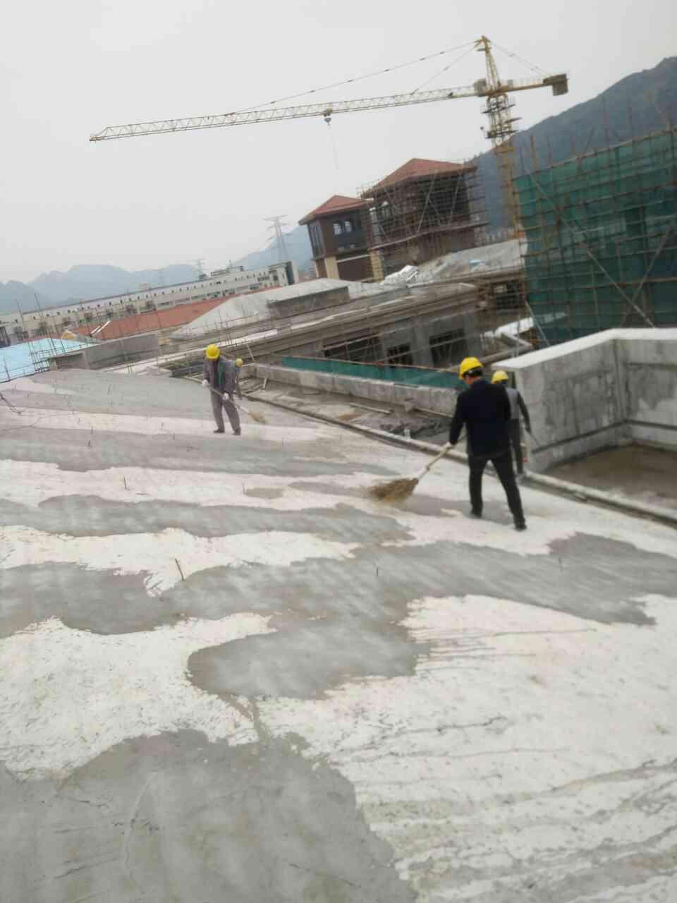 【欧品防水】屋顶防水基层清理
